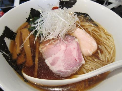 666 (駒沢大学) 冷たい煮干醤油ラーメン