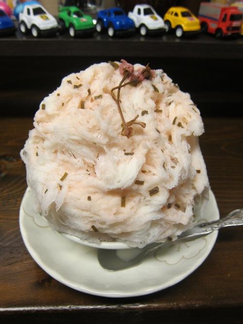 神戸みなと屋 (笹塚) 桜あんミルク