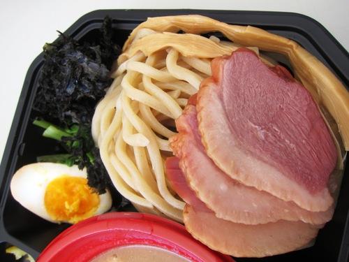 大つけ麺博2013 日本一決定戦2 (大久保公園) 吉田商店