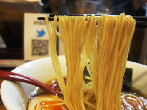 麺や 維新 (目黒) 醤油らぁ麺