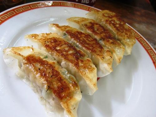 亀戸餃子 (亀戸) 6皿ほど