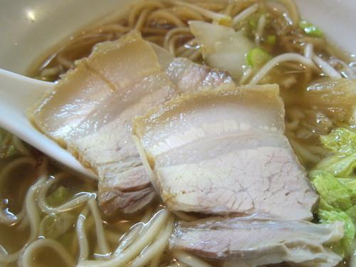 づゅる麺池田 (目黒) 揚げ豚白菜らーめん