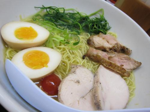 ぼぶ亭 (新宿) 鶏白湯そば