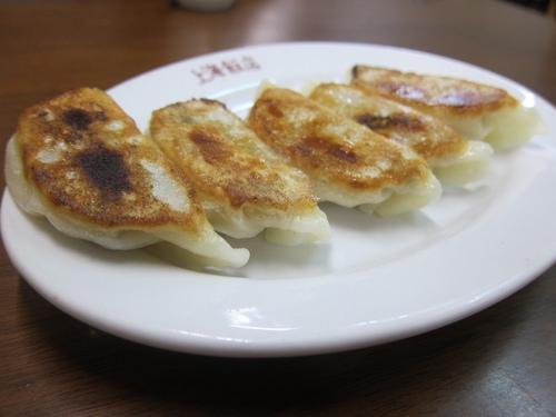 上海飯店 (大森) にんにくと玉子チャーハンとペラ餃子