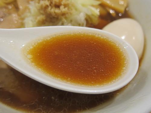 雅楽 (あざみ野) 肉煮干生姜中華そば