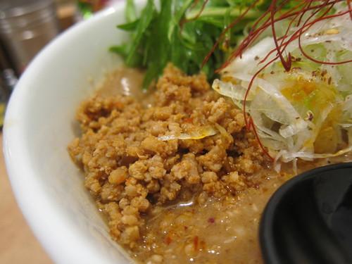 雅楽 (あざみ野) 濃厚ごま味噌担担麺